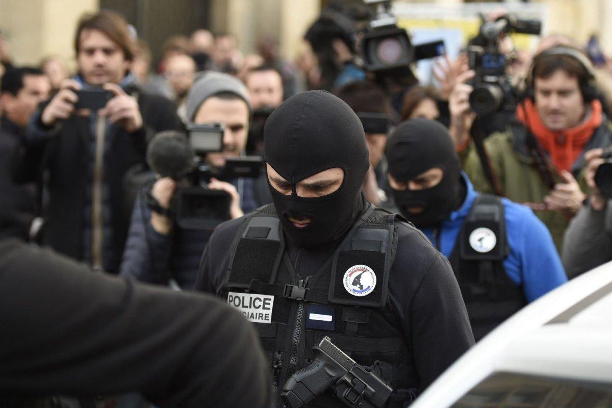 Strage di Parigi: le indagini, i giornalisti e le fonti ufficiali