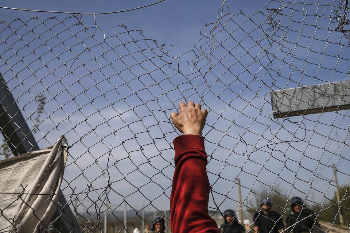 Migranti: l'umanità schiacciata nell'accordo Europa-Turchia