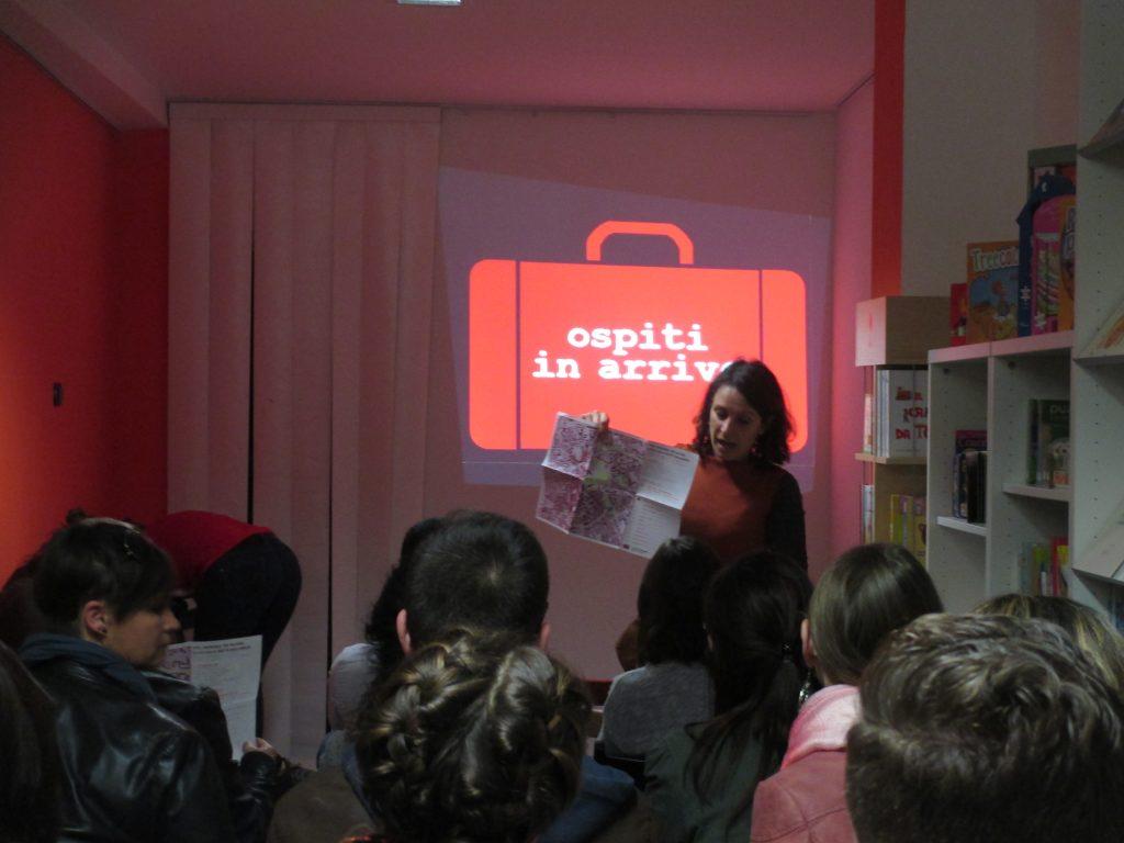 """Micol Sperandio presenta """"Un libro pe Idomeni"""" nella libreria """"Pecora Nera"""""""