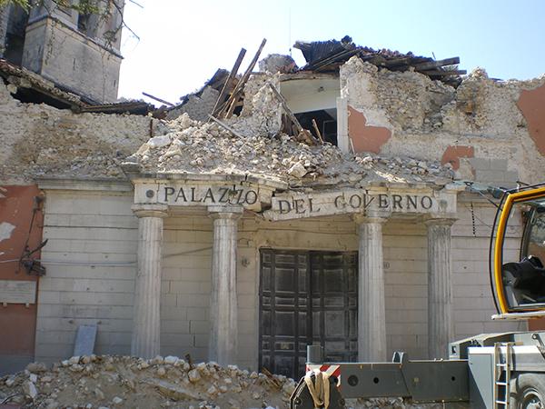 L'aquila, 2009 (via)