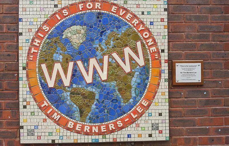 Il 'padre del web' Tim Berners Lee vuole restituire Internet ai cittadini