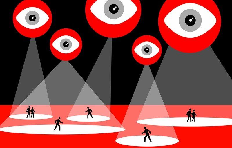 """Il Regno Unito verso la sorveglianza totale: """"Un attacco alla democrazia"""""""