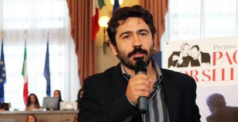 """Il giornalista aggredito, una """"guerra"""" di mafia e il silenzio di media e politica"""