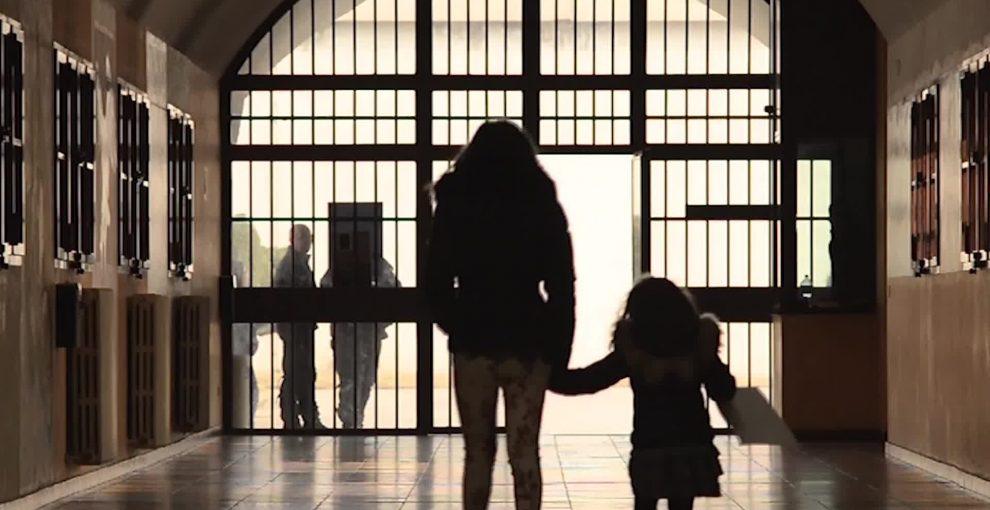 60 bambini che vivono in galera: casi irrisolti di ingiustizia italiana