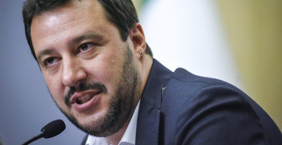 Salvini: 10 vaccini sono un rischio. Vediamo cosa ci dice la scienza