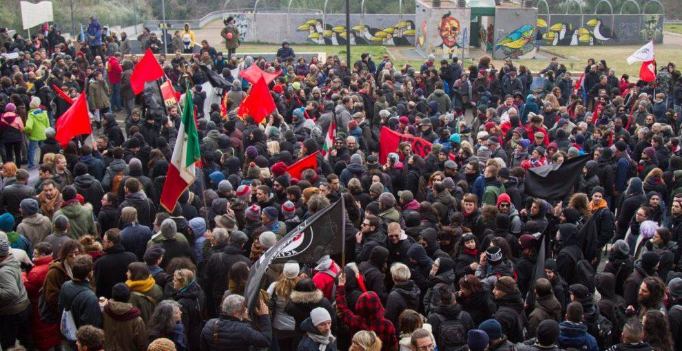A Macerata 20mila persone, una sola voce: la democrazia non si fa intimidire