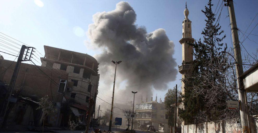 Siria, bombe e missili sui civili: «Questa non è una guerra, è in tutti i sensi una catastrofe umanitaria»