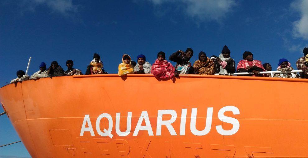 Aquarius e la decisione di Salvini di chiudere i porti: cosa è successo, cosa dicono le leggi, la situazione della nave