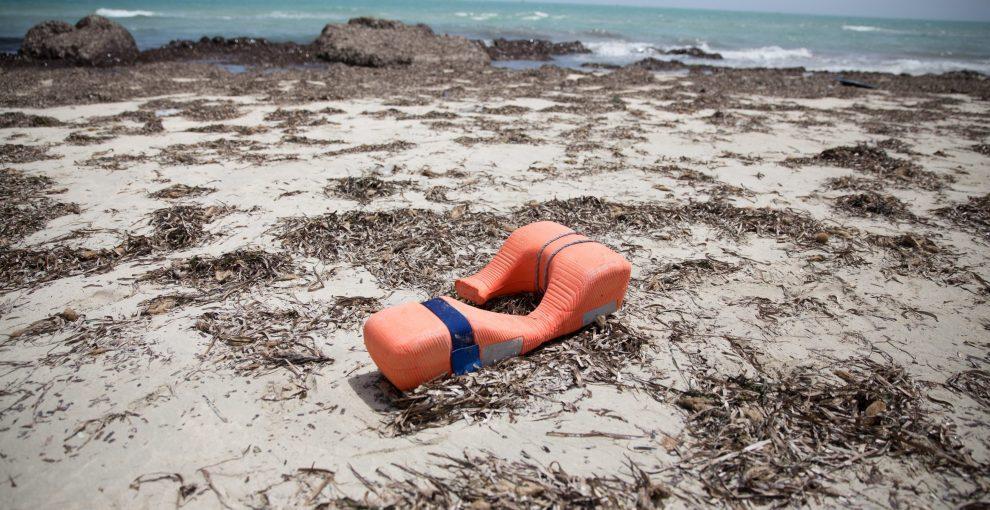 Le ONG incentivano le partenze e i morti in mare, le migrazioni sono colpa della Francia: la disinformazione smontata punto per punto