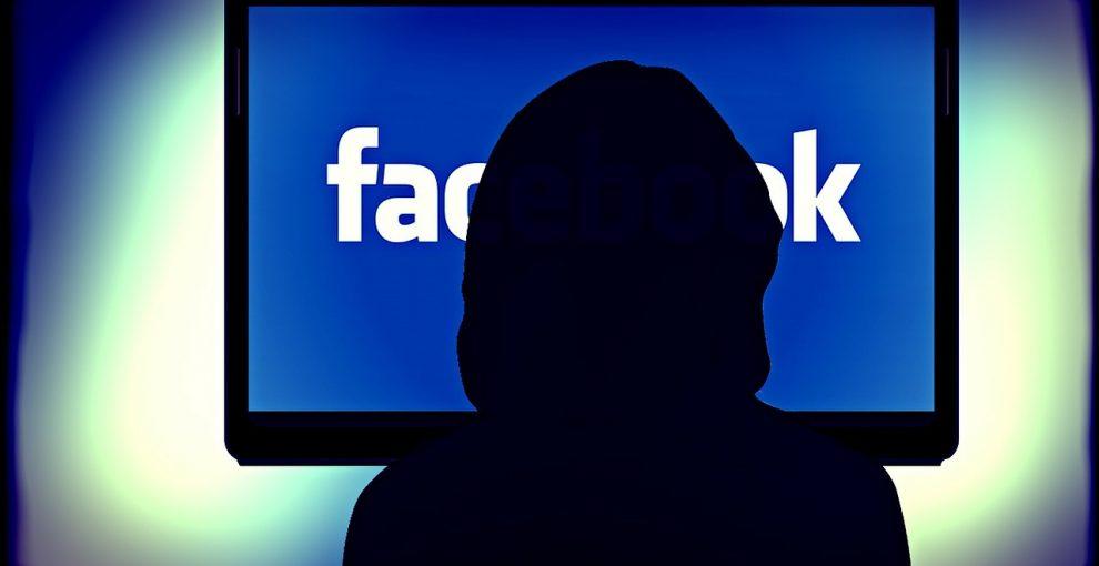 La moderazione online è cruciale e ha costi umani elevatissimi. I social investono poco e male