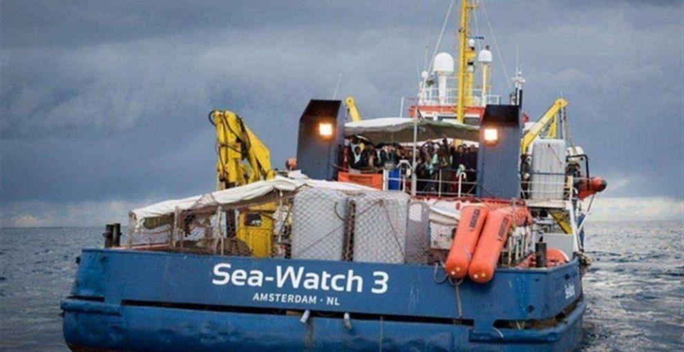 Sea Watch: i 16 giorni in mare, il porto vicino più sicuro, l'impatto con la Gdf, la decisione del Gip di liberare la comandante