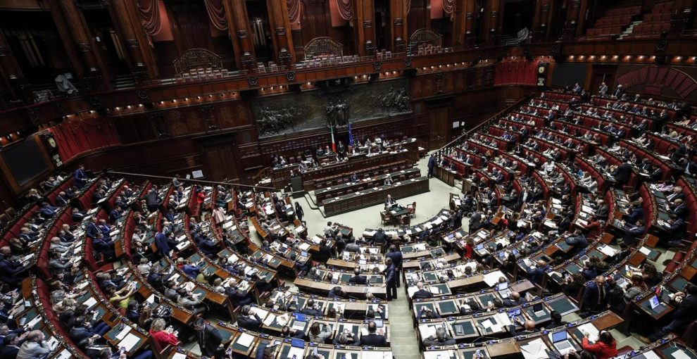 Il taglio dei parlamentari voluto dai 5 Stelle, fino a oggi contrastato dal Pd e che Renzi ora vorrebbe approvare