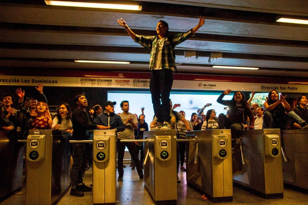 Cile, proteste, metropolitana, incendi
