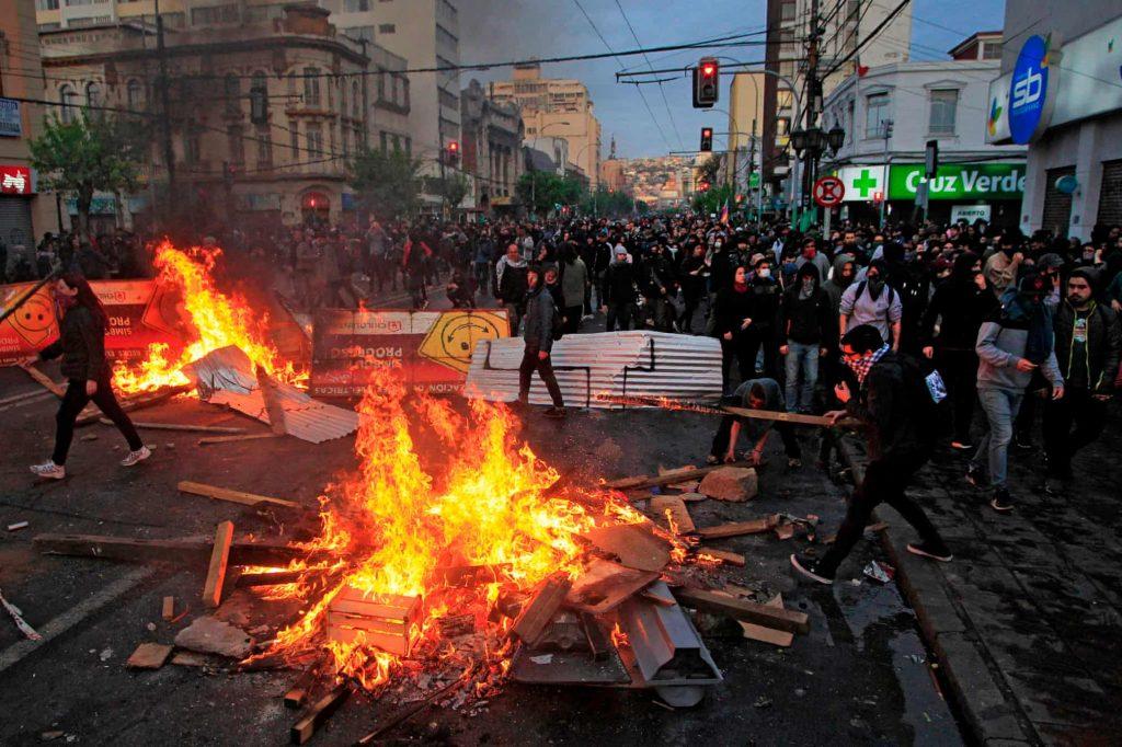 Cile, proteste, incendi
